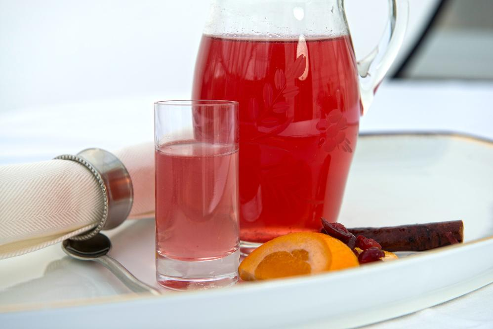 Dilute liquid juice representative of pre-operation diet